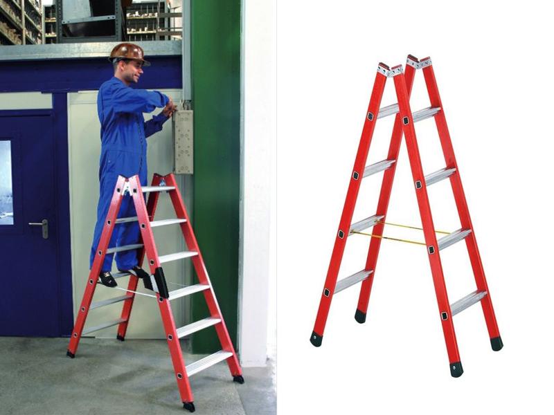 Двухсторонняя лестница-стремянка с алюминиевыми ступенями